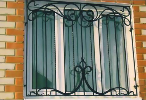 металлические решетки на окно цена